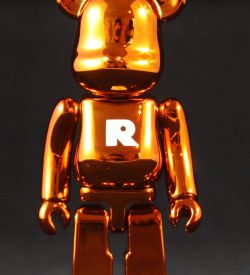 "Be@rbrick 26, Basic ""R"""
